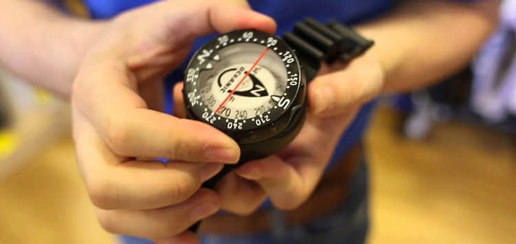Using a Scuba Compass Underwater