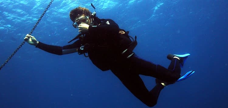 scuba diver equalizing