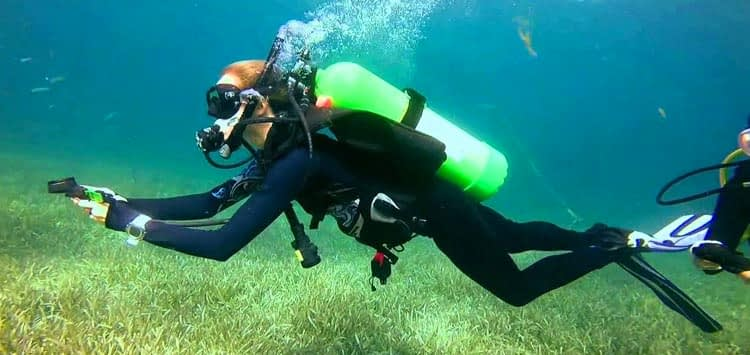 How to Use a Dive Compass Underwater