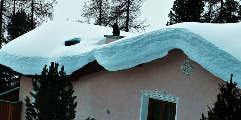 How-Much-Snow-Can-My-Roof-Hold