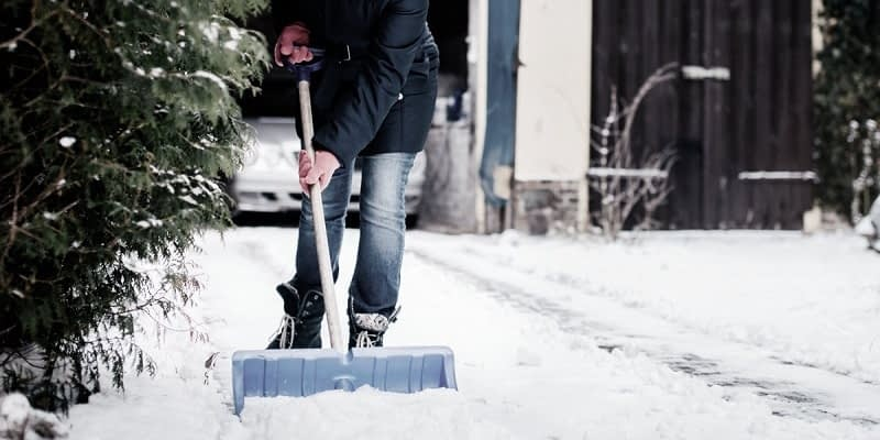 Lubricate-Your-Snow-Shovel