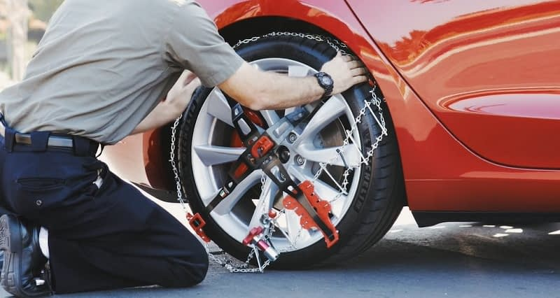 What-Size-Snow-Chains-Do-I-Need-and-How-Many-Snow-Chains-Are-Required