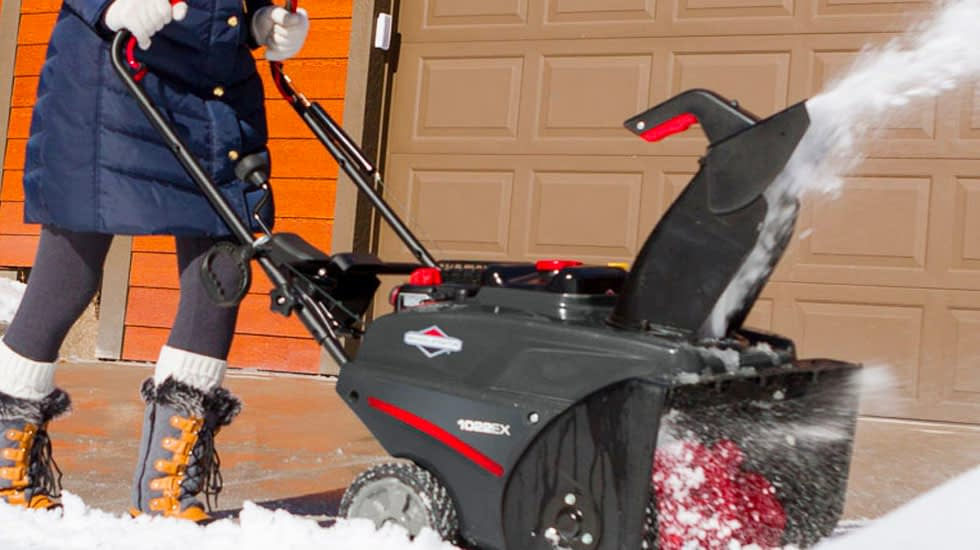Using a Single Stage Snow Blower