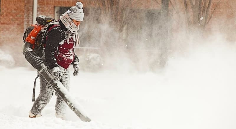 Use-a-Leaf-Blower-to-Clear-Snow