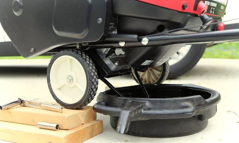 How-to-Change-the-Oil-in-a-Snowblower