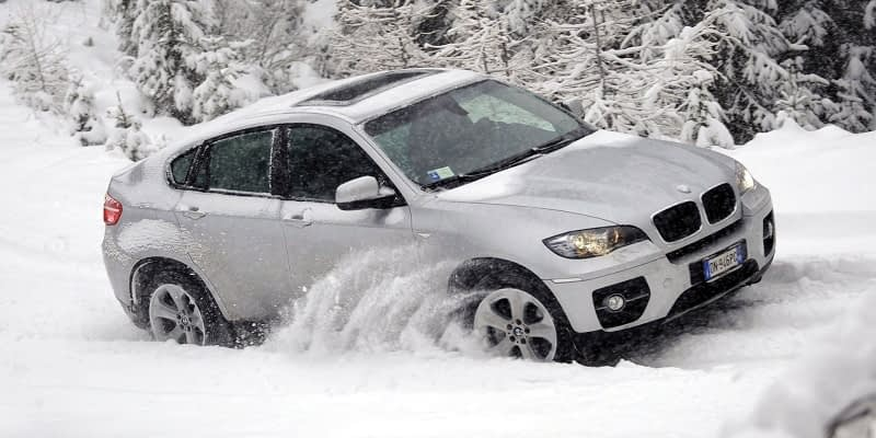 How-To-Drive-A-Rear-Wheel-Drive-In-Snow