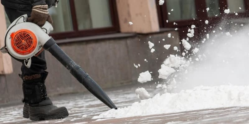 When-Not-To-Use-A-Leaf-Blower-For-Snow-Removal