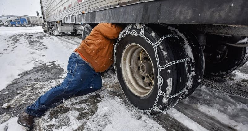 How-to-Put-Snow-Chains-on-Tires