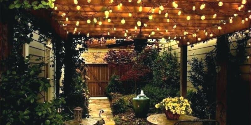 Factors to consider before buying solar porch lights