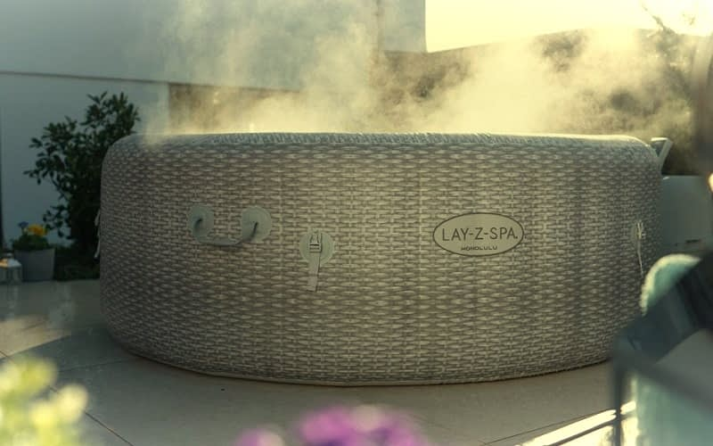 Using-a-Lay-A-Spa-Hot-Tub-in-Winter