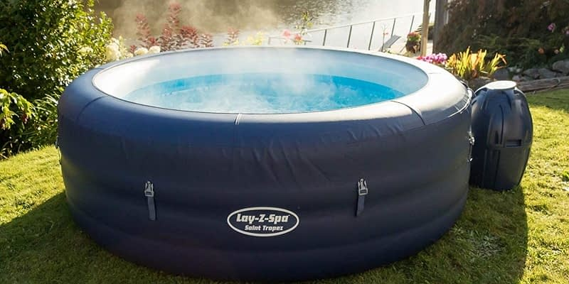 Hot inflatable tub